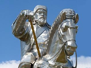 Dschighis Khan - größte Reiterstandbild der Welt bei Ulan Bator