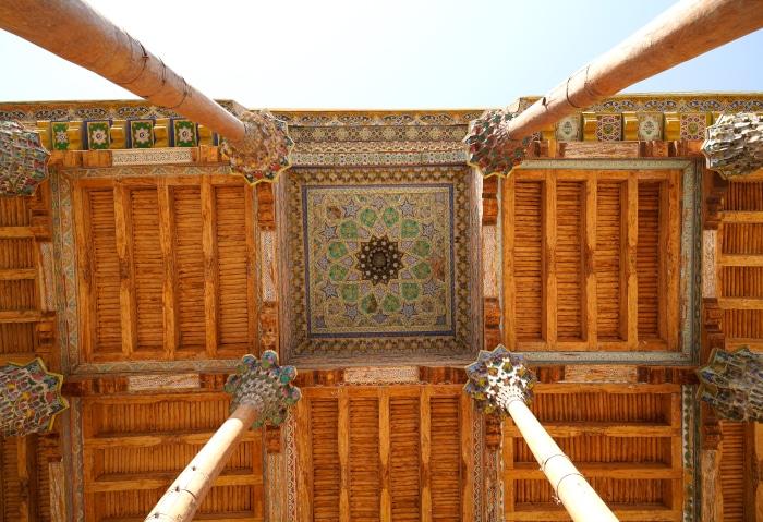 Verziertes Dach in Buchara, Usbekistan